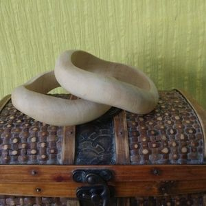 Wooden bangle bracelets